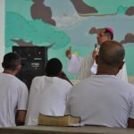 Em missa com bispo de Petrópolis, presos em Magé (RJ) vivenciam um Natal de fé