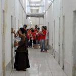 PCr de Florianópolis entrega kits de Natal a 4 mil pessoas presas