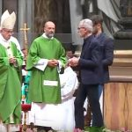 Papa critica hipocrisia social que vê como único caminho o cárcere